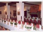 "Poczęstunek – stoły weselne ""T""+ ""I"" (ok. 56 osób)"